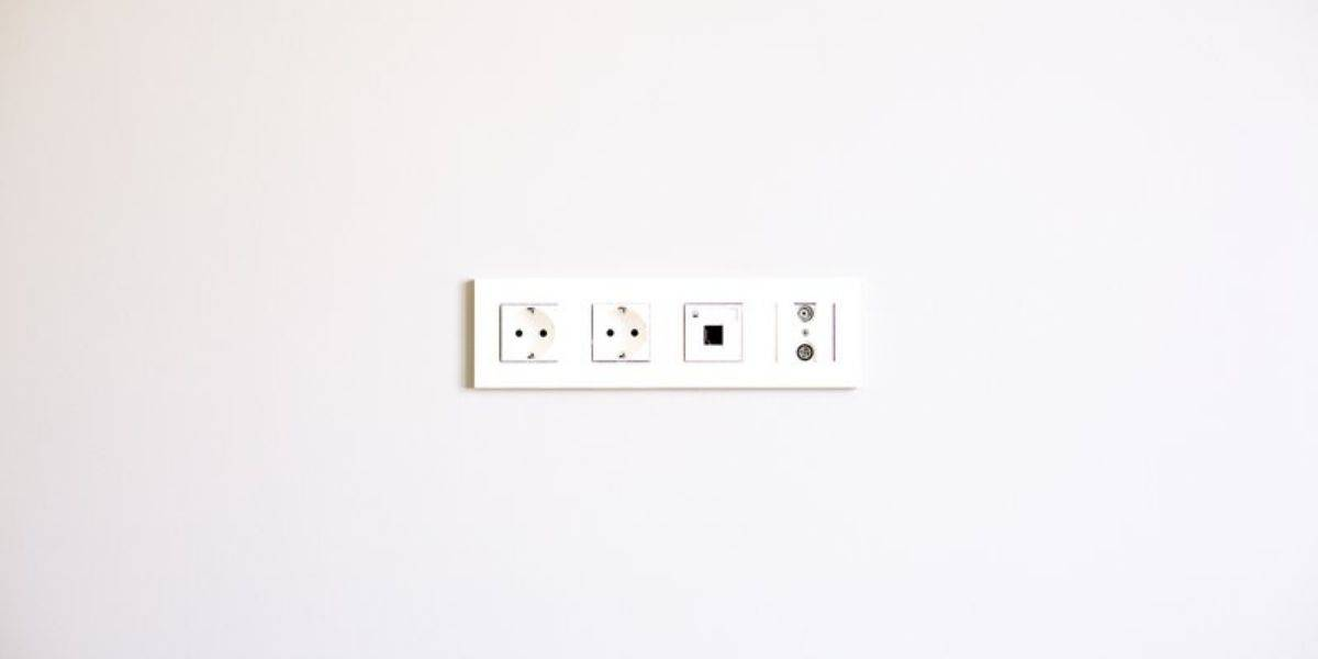 can one bad outlet affect others