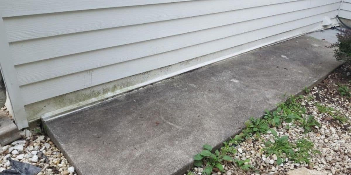 how to seal siding to concrete