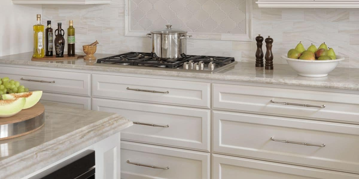 how to level base cabinets for granite