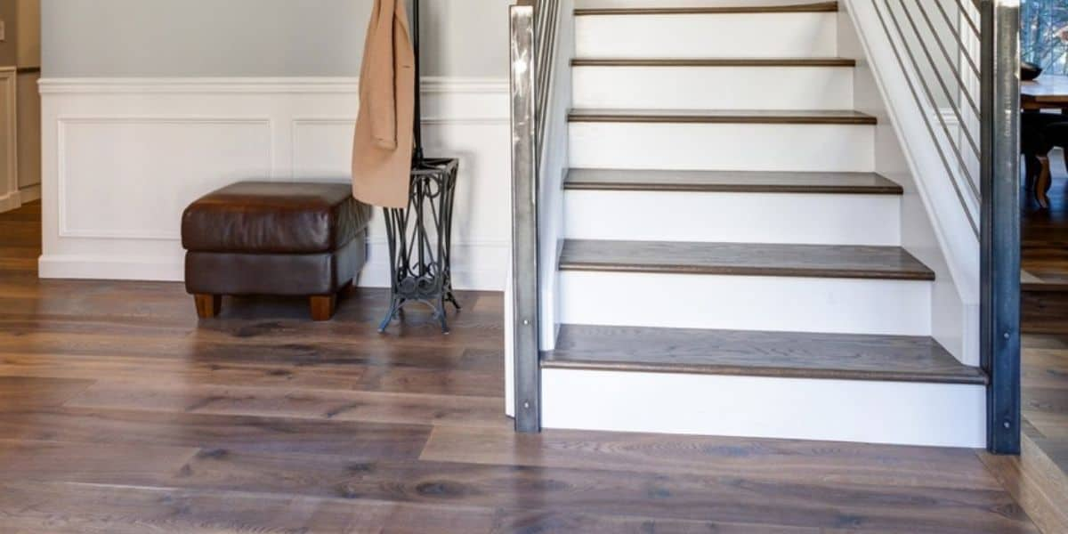 can vinyl flooring be installed on stairs