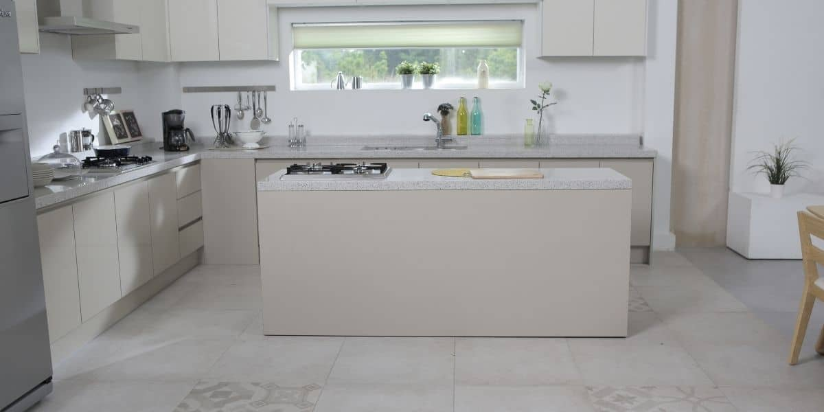 kitchen floor tiles staggered or straight